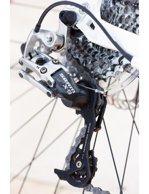 The SRAM X9 rear mech and X7 MTB shifters give a more positive, accurate shift than Shimano road shifters