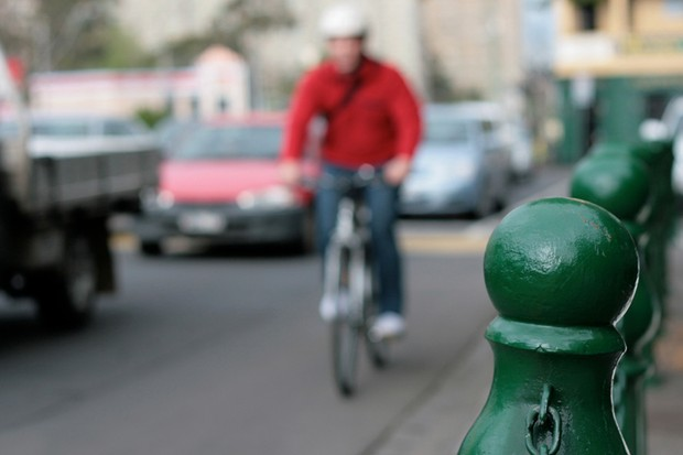 Commuters using helmet cams have helped researchers understand the causes of cycling accidents in Melbourne, Australia