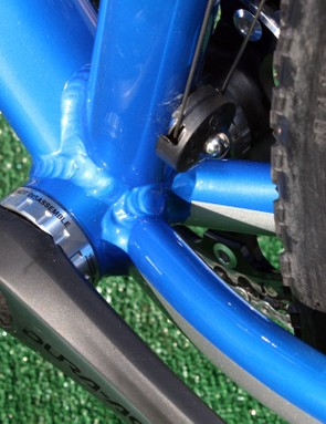 Doing without the chainstay bridge leaves fewer places for mud to collect