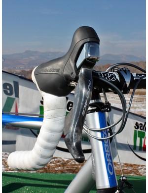 Shimano Dura-Ace 7900 mechanical levers adorn the front end of Georgia Gould's (Luna) Orbea Lobular Cross