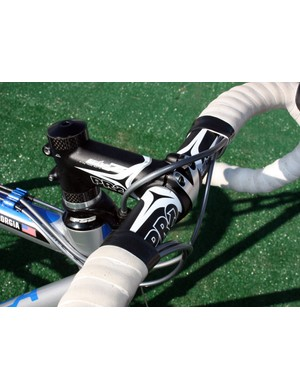 Note the over-and-around front brake cable routing to minimize friction