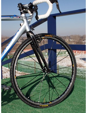 While many racers opt for deep-section rims, Georgia Gould (Luna) instead prefers the lighter weight of shallow-section wheels