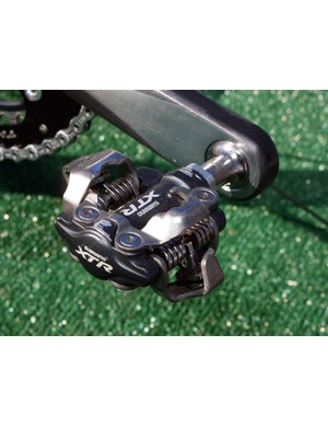 These Shimano XTR PD-M970 pedals look like they haven't seen much use yet