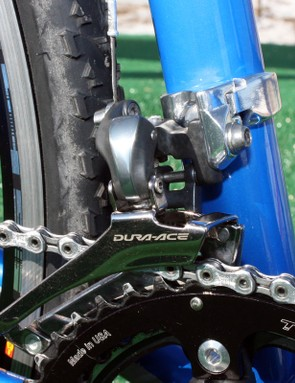 Rather than go with a dedicated band-type front derailleur, Georgia Gould's (Luna) bike is fitted with a braze-on derailleur and separate clamp