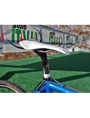 Georgia Gould (Luna) uses a carbon-railed Selle Italia SLR saddle