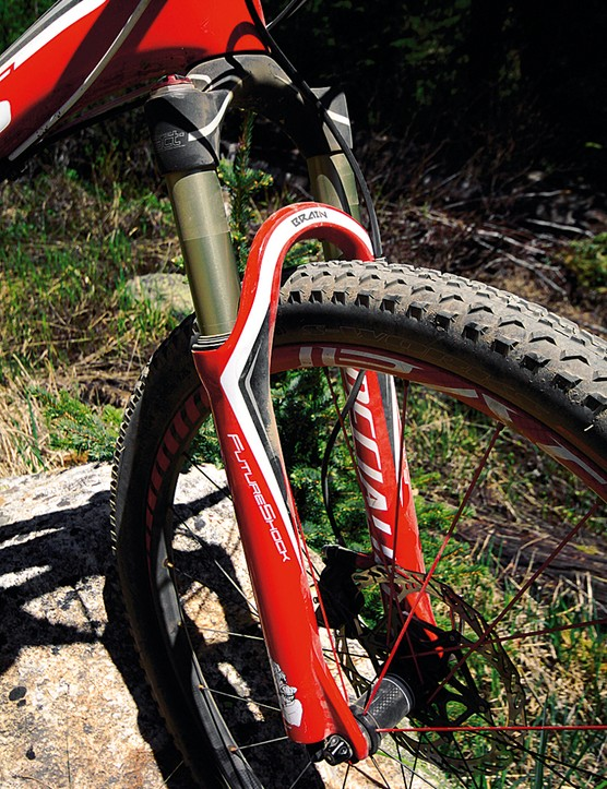 The S-Works epic  gets Specialized's Future e100 fork
