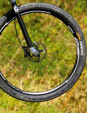 Shimano MT75 wheels and Conti Race King tyres make for a lightweight, fast-rolling and reliable wheel package