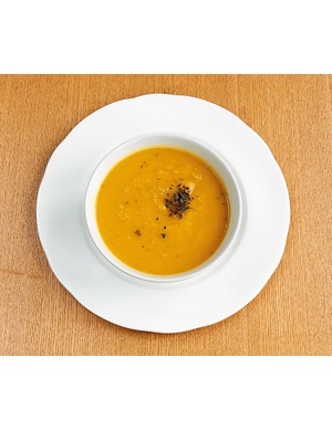 Chickpea, sweet potato and spinach soup
