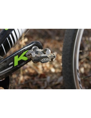 The new design uses an almost identical cleat retention mechanism to the previous pedal