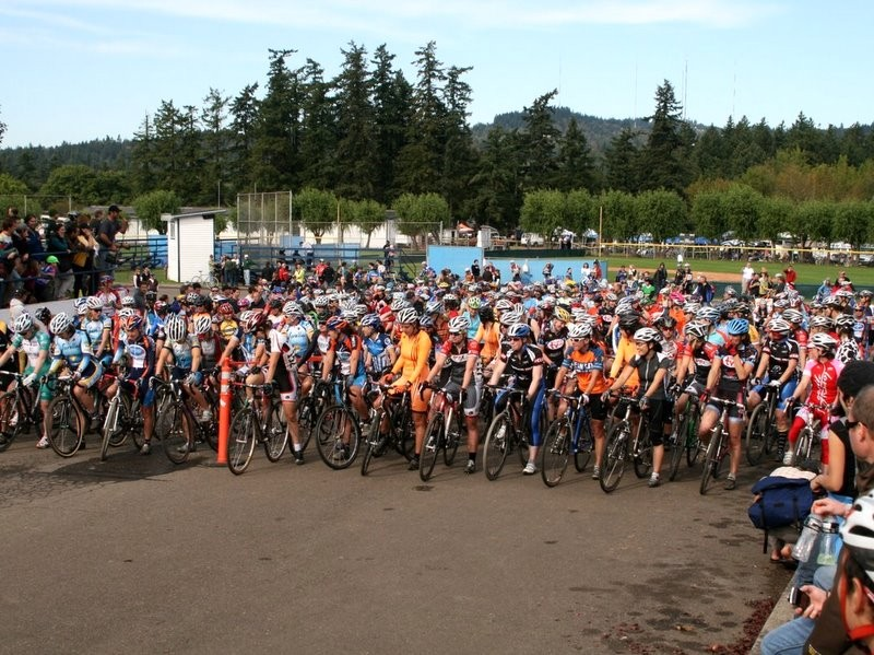 One of the many massive fields of racers associated with the 'Cross Crusade