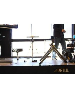 Retul trainer and sensor