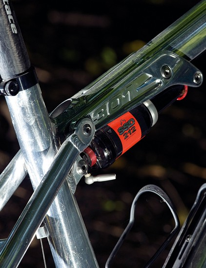 The pierced top tube allows   smooth passage of cables  for a remote seat post or shock lockout