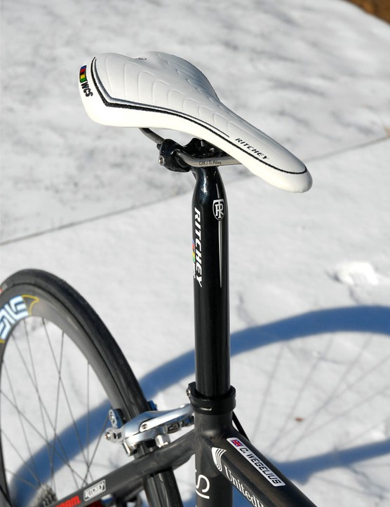 Ritchey provides all of the cockpit components, including this Streem saddle and WCS Alloy 1-Bolt seatpost.