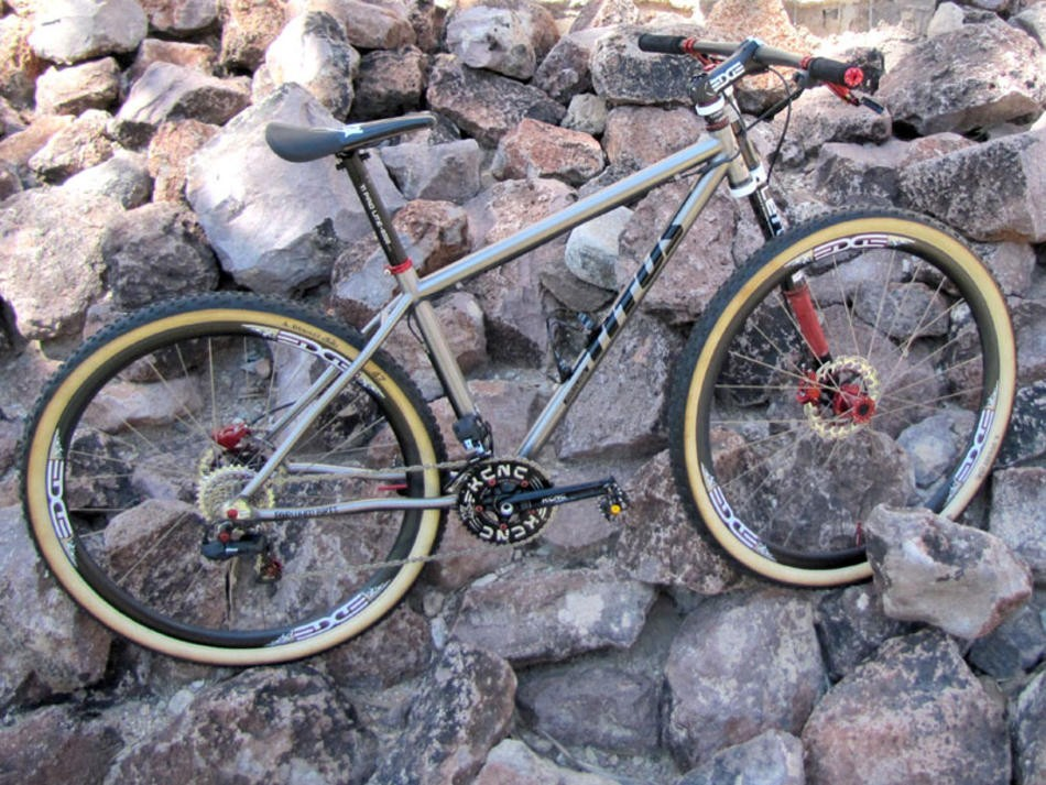 Fairwheel Bikes' Titus hardtail 29er boasts a trick sequential shifting custom Shimano Dura-Ace Di2 electronic transmission