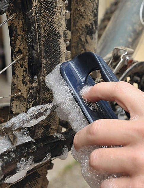 How to clean your chain