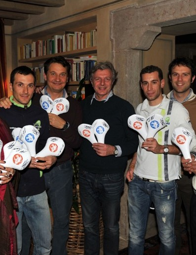 From left: Barbara Bigolin (CEO of Selle Royal), Ivan Basso, Roberto Amadio, Massimo Losio (Selle Royal board member), Vincenzo Nibali, Daniele Giaffredo and Pier Giorgio Da Rold (from the Insieme si può charity)