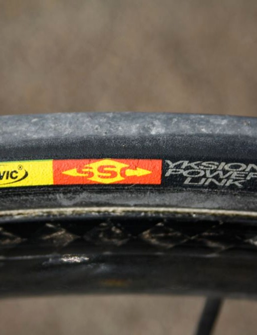 Vicenzo Nibali's (Liquigas) new bike is fitted with Mavic tubulars instead of last year's Schwalbe rubber