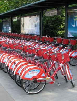 33,000 free rental bikes are available in Hangzhou