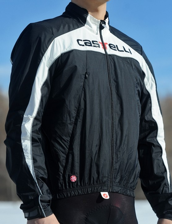 The Castelli Fusione jacket looks sharp and is very effective at blocking cold breezes