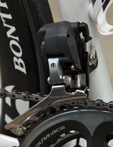 The Shimano Dura-Ace Di2 front derailleur's two-step shift process should hopefully keep Andy Schleck's (LEOPARD TREK) chain from derailing this season