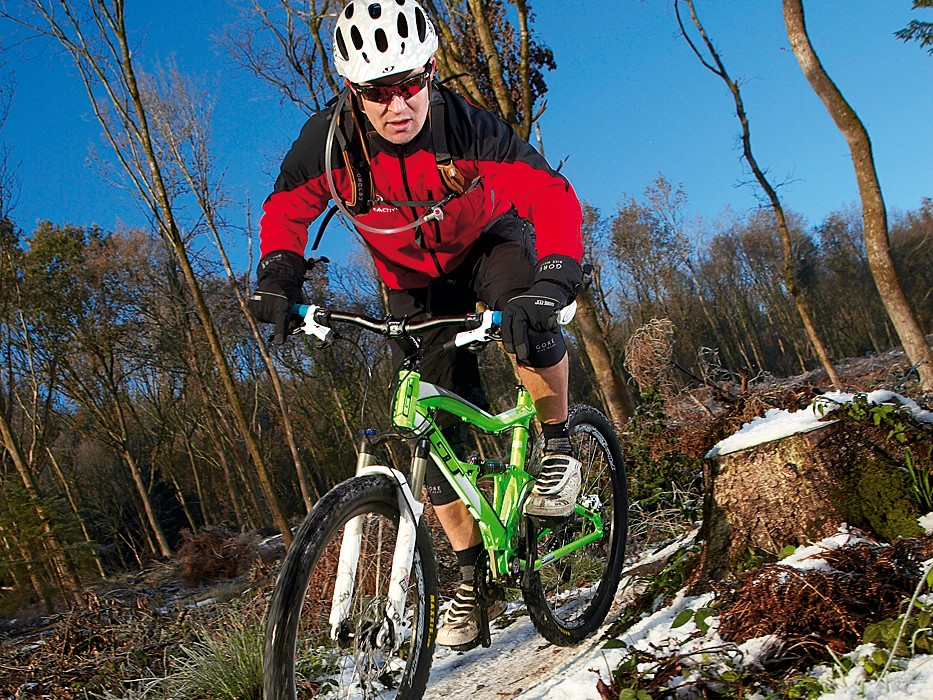 The fast rolling tyres, smoothness and traction all make this a surprisingly accomplished climber, particularly on more rugged technical trails
