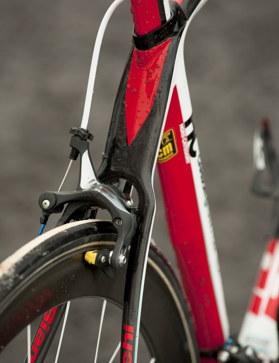 Every bolt on the frame and the skewers are supplied by lightweight specialist Carbon-Ti