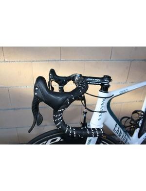 Philippe Gilbert (Omega-Pharma Lotto) prefers a classic-type bend on his Ritchey handlebars.