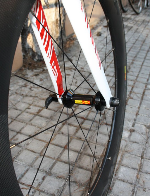 The Mavic Cosmic CC80 wheels are built with stainless steel spokes and external nipples for easier servicing.