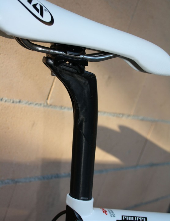 Canyon's VCLS Aero Post is suprisingly flexy and offers real benefits to rider comfort.