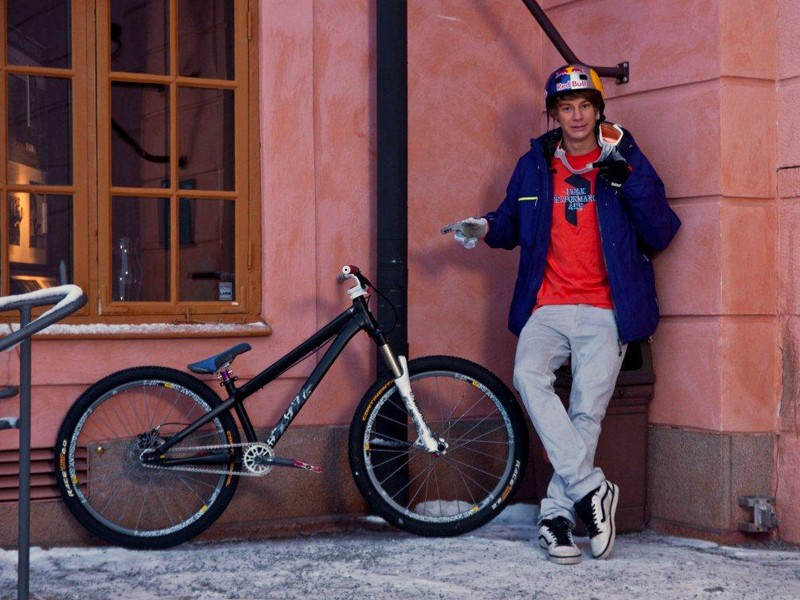 Martin Soderstrom has signed with Specialized and will ride the company's P.3 (pictured), SX Trail and Demo 8 bikes