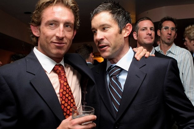 Matt White (L) together with sprinter Julian Dean