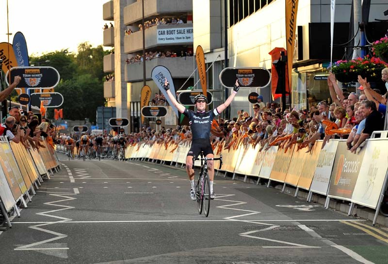 Dean Windsor won the final stage of the 2010 Tour Series in Woking