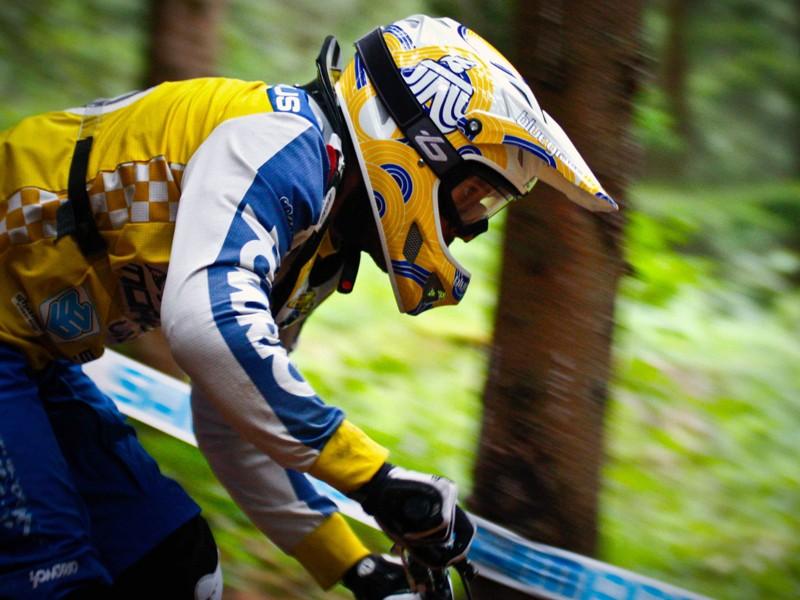 Fabien Cousinié puts a Bluegrass helmet through its paces
