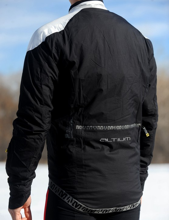 The elasticized lower rear hem offers good coverage and stays put while riding