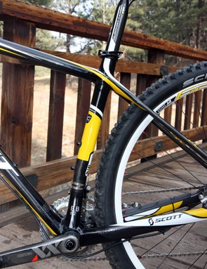 The kinked seat tube allows for slightly shorter chain stays but it also a slacker-than-typical seat tube angle