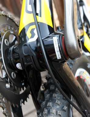 The derailleur cables pop out down at the bottom bracket shell and running the lines is surprisingly simple.  We're not so sure about the down tube-routed rear brake line, though