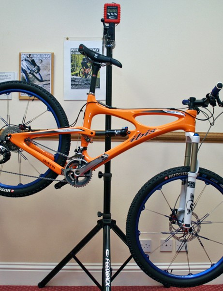 UK distributors 2Pure are offering full builds on all of Ibis's bikes; this Mojo SL with Shimano XTR kits weighs in at just 24.23lb