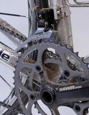 Front shifting was acceptable, even considering the large jump from the small 34t ring to the large 50t ring