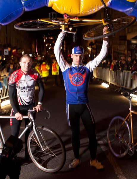 All three riders on the podium – Paul Derrick (l), Chris Metcalfe (c) and Ben Spurrier (r) – won special edition Charge bikes