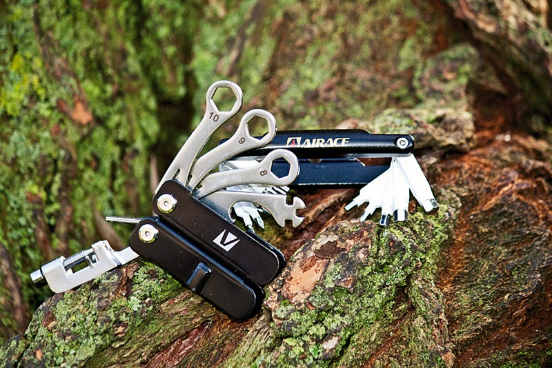 Airace 20 in 1 Ultra Thin Metallic multi-tool