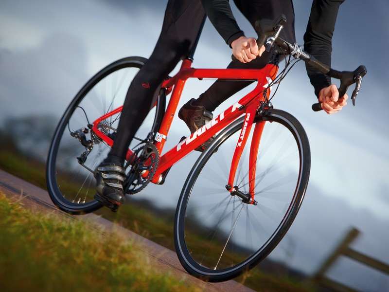 Spin the pedals and it whips up to speed very quickly and floats up hills with an infectious effortlessness