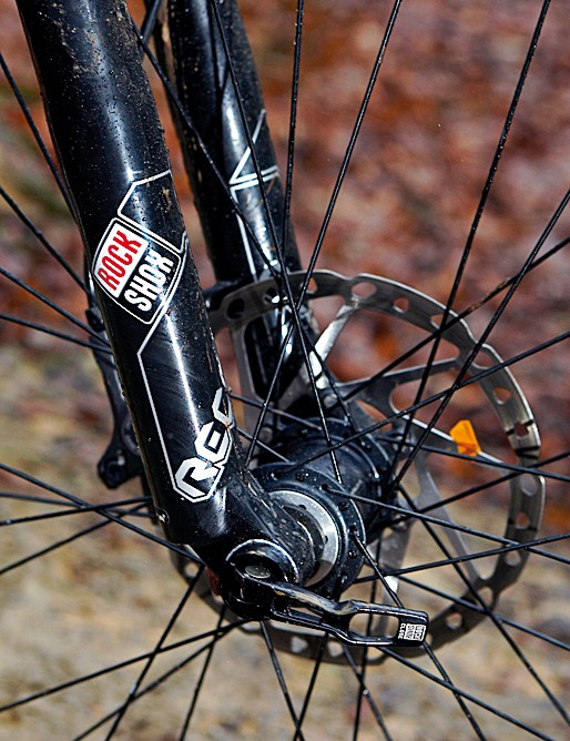 We'd prefer the adjustability of an air fork, but the Recon's 20mm through-axle gives utterly brilliant steering precision