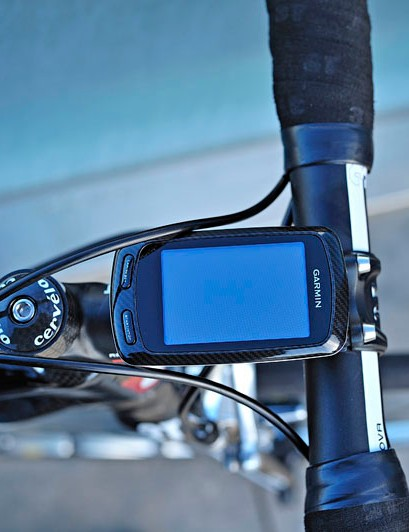 No surprises here: Garmin's Edge 800 occupies prime real estate atop the 3T stem.