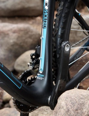 The wider bottom bracket and inflated tubes all around make for a noticeably stiffer-feeling frame than the outgoing Superfly