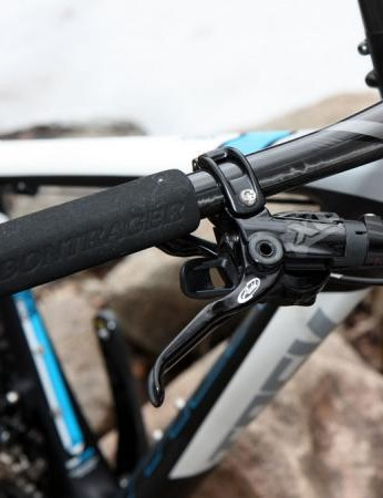 SRAM's latest XO group offers virtually identical shifting and braking performance to XX but with even more positive trigger action. These grips have got to go, though