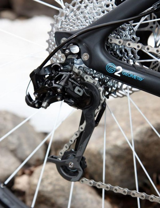 The latest 10-speed SRAM XO rear derailleur isn't that different overall from the 9-speed one but the black finish lends it a stealthier look