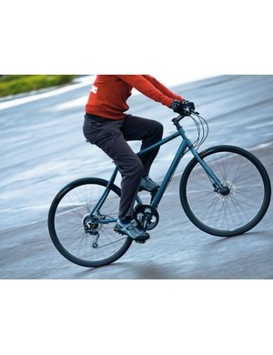 The tall head-tube, riser handlebar and inline seatpost provide a riding position that's fairly short and upright