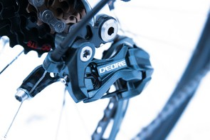 The 24-speed gearing mixes Shimano's workhorse Alivio groupset with a Deore Shadow rear mech