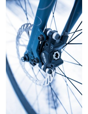 Stopping power from the Avid Juicy 3 hydraulic brakes is awesome compared to the sidepulls or mini-Vs that many hybrids have