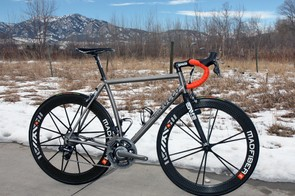 Our test ride shows the Vuelo Velo 8 to be light and lively with an unusually rigid rear end - so much so that we wished for a stiffer front end to match